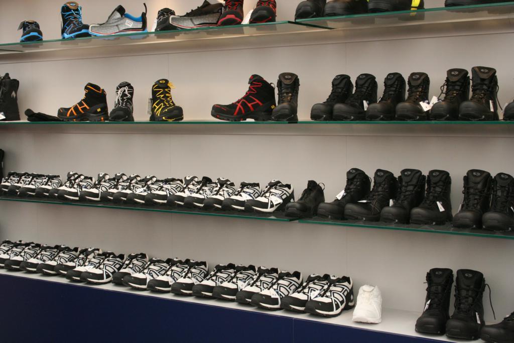 Und Haix hatte wieder jede Menge Schuhe dabei..
