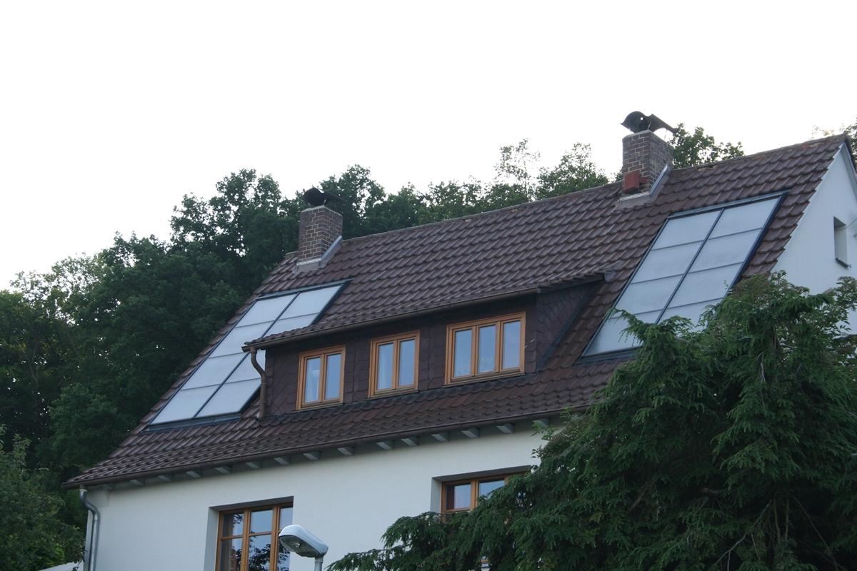 Solarthermieanlage mit Flachkollektoren
